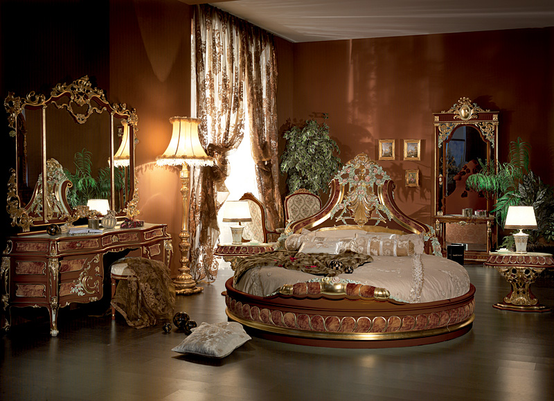 Italian bed room in round shapetop and best italian for Classic interior furniture