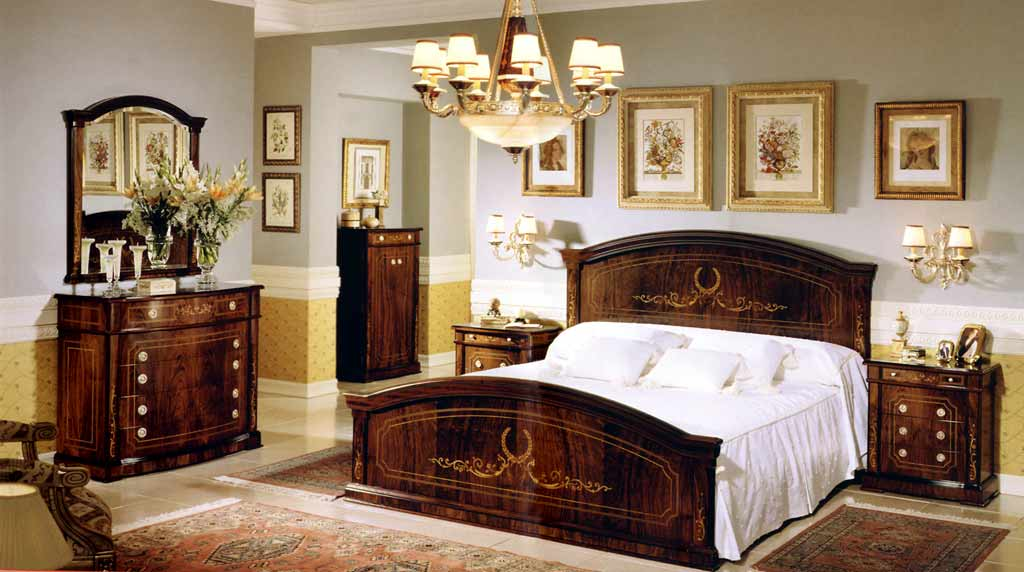 Bedroom Set In Spanish Style Design