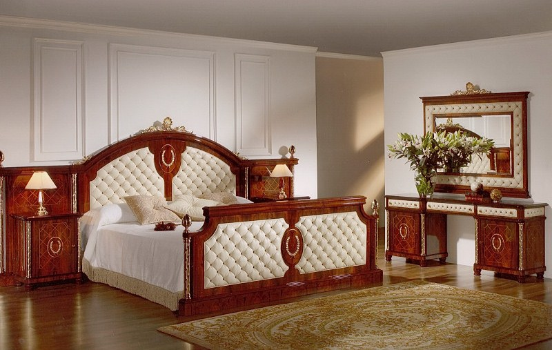 Capitone Bed Room Set In Spanish Style